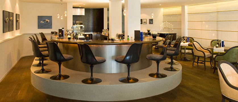 Beausite Park & Jungfrau Spa, Wengen, Bernese Oberland, Switzerland - hotel bar.jpg